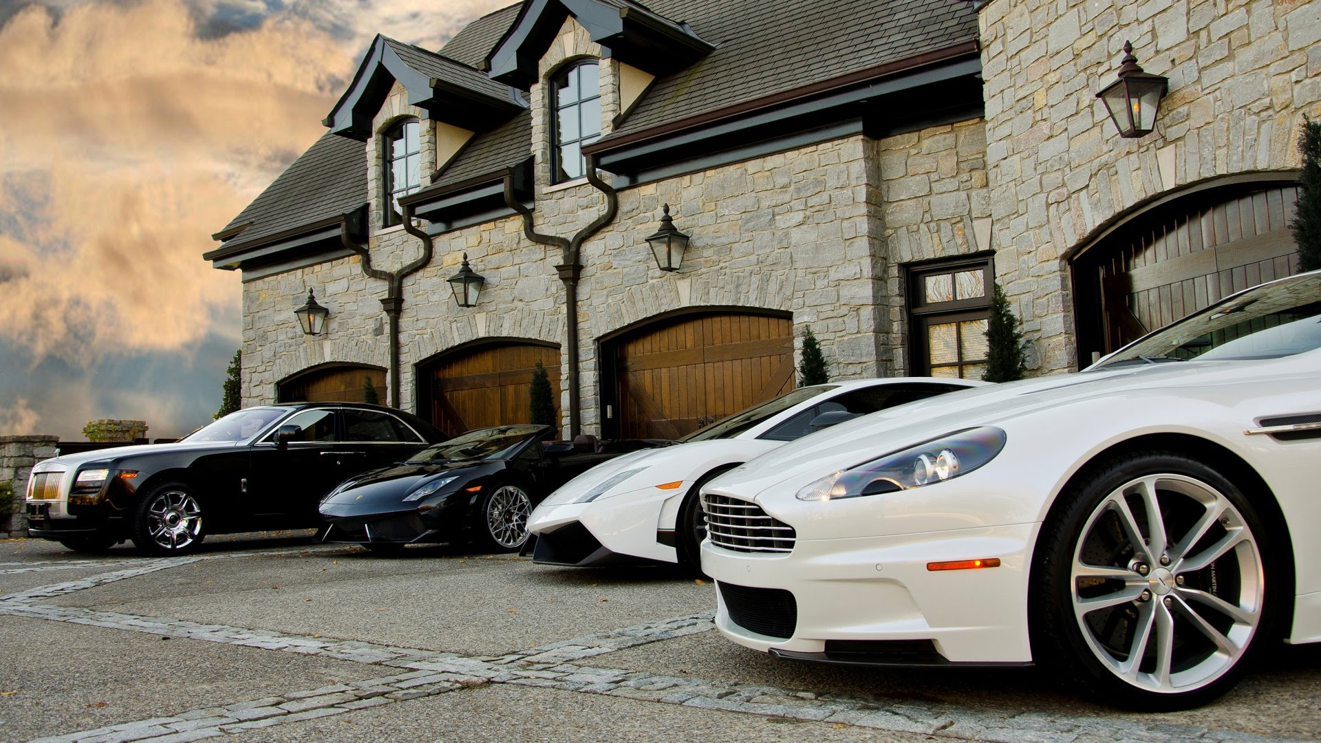 Is There More of a Demand for Luxury Agents?